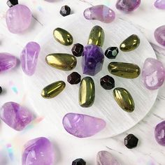 Rocks with Sass is a collection crystal jewelry that inspires, raises awareness & adds sparkle to your life. Each piece is handcrafted from various crystals and gemstones. Crystal Shop, Crystal Grid, Crystal Jewelry, Crystals And Gemstones, Stones And Crystals, Art Of Beauty, Crystal Meanings, Calming, Jewelry Shop
