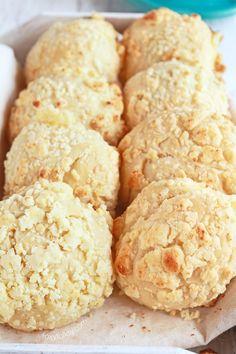 Filipino Cheese Bread l foxyfolksy.com