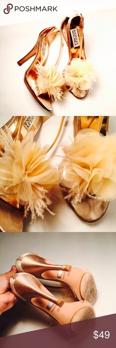 🍾 BADGLEY MISCHKA 🍾 Champagne Adorned Satin Heel Perfect for a wedding or special night!  CONDITION:EUC, minimal signs of wear, some Knicks on back of right heel MATERIAL:satin tulle feathers Adjustable strap Badgley Mischka Shoes Heels