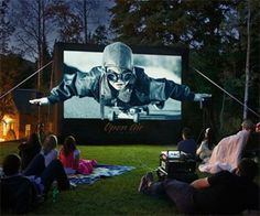 Backyard Theater System | DudeIWantThat.com