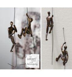 Deko Figur Skulptur kletternd aus Polystone in Bronze Farbe Abmessung:Höhe 16 - 19 cmMaterial: Polystone