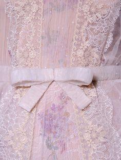 lamorbidezza:  Valentino Haute Couture Spring 2012 Details