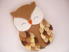 Personalized felt owl ornament - handmade felt owl ornament - felt Christmas ornament - Christmas ornament - Shades of brown owl 2018 Felt Owls, Felt Birds, Handmade Felt, Handmade Ornaments, How To Make Ornaments, Crafts To Make, Magazine Crafts, Owl Ornament, Owl Crafts