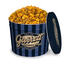 From a Garrett family competition to see who could make the best caramel corn, the popcorn recipe traveled from the Garrett's Milwaukee home to their first Chicago shop at 10 W Madison, which opened up in 1949.