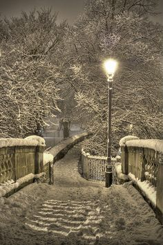 Chester Walls in the snow, Handbridge, Chester, England, Great Britain.