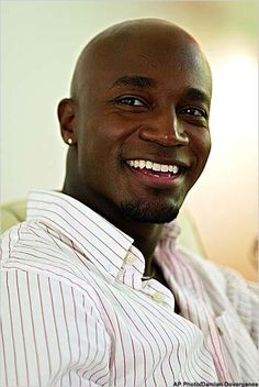 Love me some Taye Diggs.........