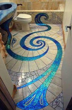 Original diseño de cuarto de baño en el piso