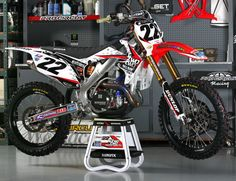 Factory Bike Friday: Team Two Two Racing Honda Honda Dirt Bike, Dirt Bike Gear, Moto Bike, 250 Dirt Bike, Cool Dirt Bikes, Mx Bikes, Hummer, Motocross Maschinen, Bike Friday