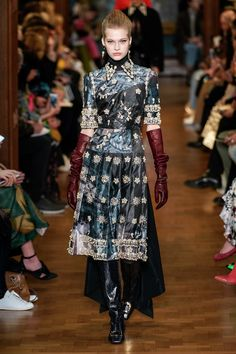 Erdem Fall 2019 Ready-to-Wear Collection - Vogue Fashion 2020, Runway Fashion, High Fashion, Womens Fashion, London Fashion, Ladies Fashion, Fashion Prints, Fashion Design, Vogue