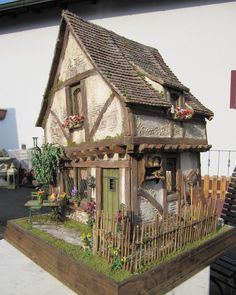Rick Pierce's Miniature Tudor Dolls Houses - Google Search