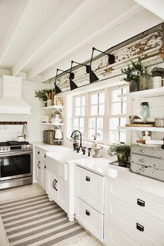30 Most Popular Rustic Kitchen Ideas You'll Want to Copy Rustic Kitchen Ideas - Rustic kitchen closet is an attractive combination of nation cottage as well as farmhouse decor. Search 30 ideas of rustic kitchen design right here Small Farmhouse Kitchen, Farmhouse Kitchen Lighting, Modern Farmhouse Kitchens, Home Decor Kitchen, Home Kitchens, Kitchen Ideas, Farmhouse Decor, Farmhouse Ideas, Kitchen Country
