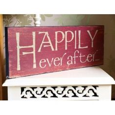 Home Sign - Chic & Shabby Style- 'Happily Ever After' Wooden Sign - Vintage Chic Style Old/Aged Distressed Large Heavy Wooden Sign: Amazon.co.uk: Kitchen & Home