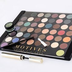From daily staples to special-occasion shades, this 50-color palette helps you put together any full-face look. ❤️💕✨ Click our bio link to shop it. 🛍 #MotivesCosmetics #eotd #motd #mua