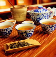 Oolong Tea - A sweet and refined cup of tea settles the heart.