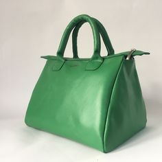 Leather 'trapeze' handbag