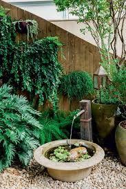 Resultado de imagem para fontes de agua para jardim