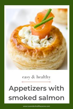 These individual appetizers with puff pastry are perfect for Christmas dinner. Easy and delicious finger food your whole family will love. Smoked Salmon Breakfast, Smoked Salmon Pasta, Smoked Salmon Appetizer, Smoked Salmon Recipes, Easy Appetizer Recipes, Yummy Appetizers, Individual Appetizers, Mediterranean Seafood Recipe, Traditional French Recipes