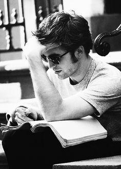 Love sexy working Rob...memorizing lines??