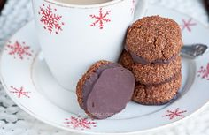A recipe for paleo peppermint chocolate macaroon cookies. These cookies are grain free, dairy free, and refined sugar free.