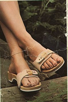 a1723660102e26 scholl wooden exercise sandal  27 thousand results found on Yandex.