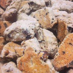 We'll bring the Tozzetti you bring the #vinsanto?  #eatuscania #eatuscia #cucina #italy #italianfood #cookies #biscotti #travelingram #authentic #love #like4like #instagood #l4l