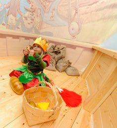 Laiva on lastattu leluilla Kuva: Sakari Kiuru / Helsingin kaupunginmuseo. Fictional Characters, Art, Museums, Art Background, Kunst, Performing Arts, Fantasy Characters, Art Education Resources, Artworks