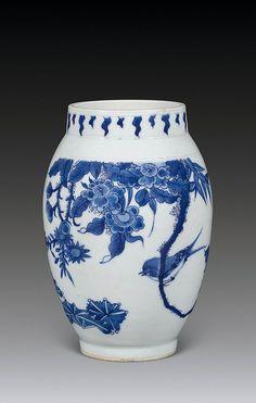 明崇祯 青花花卉莲子罐 by China Online Museum - Chinese Art Galleries, via Flickr
