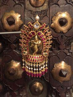 Antic Jewellery, India Jewelry, Gold Jewellery Design, Temple Jewellery, Gold Jewelry, Jewlery, Beaded Jewelry, Gold Pendent, Antique Jewelry