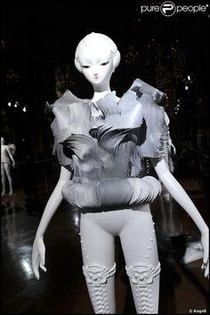 Yoshiki Hishinuma 'La Naissance d'Eve 9002' Opéra Garnier 2009