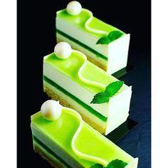 Entremet Mojito Biscuit citron vert olive : - 50 gr d'œufs - 80 gr de sucre semoule - le zeste d'un citron vert - 40 gr ...
