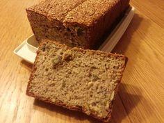 De meeste glutenvrije broden waren als stukken beton. Ik wilde een luchtig brood voor mijn gezin. En zo kwam na experimenteren dit glutenvrij boekweitbrood.