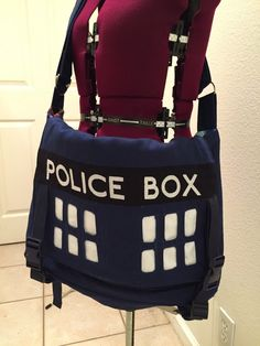 Geek Grrl Crafts: tardis bag tutorial