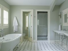 6 do's and don'ts for decorating a bathroom that won't embarrass you in front of guests