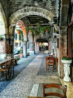 Italian food will be very important to you during and after your Italy vacation. Most people are usually surprised by the diversity of food in Italy Siena Italy, Puglia Italy, Venice Italy, Places To Travel, Travel Destinations, Places To Visit, Beautiful Buildings, Beautiful Places, Italy Vacation Packages