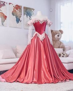 don't think I ever properly showed you guys this Aurora dress! I want to make a new one soon in blue or splattered pink and blue! Princess Aurora Dress, Disney Princess Dresses, Princess Ball Gowns, Disney Dresses, Aurora Costume, Costume Dress, Robes Disney, Fantasy Gowns, Fairytale Dress