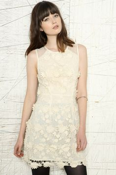 Thistle Pearl Lace Flower Dress