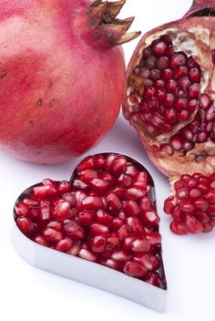 The Life Extension Blog: 8 Healthy Foods & Drinks to Promote Longevity Love pomegranate!!!!!!!