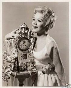 Sandra Dee is sending out her Happy New Year wishes to you in 1960