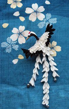 Splendid Crane. Tsumami Zaiku. Original Kanzashi.