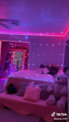 Indie Room Decor, Cute Bedroom Decor, Room Design Bedroom, Girl Bedroom Designs, Room Ideas Bedroom, Teenage Bedroom Decorations, Paris Room Decor, Teenage Room Decor, Bedroom Themes