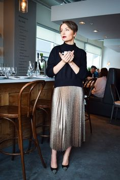 lame skirt, metallic skirt, pleated midi skirt, gold metallic pleated midi skirt, jimmy choo heels, sweater, holidays outfits, christmas outfit ideas, family finner outift http://wardrobedetectives.ca/holidays-outfits/