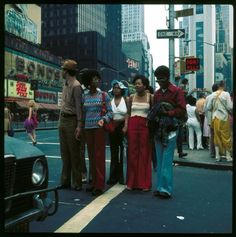 Faces of New York: 50 Striking Color Photographs Capture Street Scenes of New York City in the 1970s