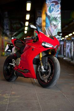 ducati 1299 panigale s review | road test | stuff to buy