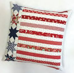 Quilt Inspiration: Free pattern day: Patriotic and flag quilts Blue Quilts, Small Quilts, Mini Quilts, Quilt Block Patterns, Quilt Blocks, Pillow Patterns, Pillow Ideas, Sewing Patterns, Quilting Projects