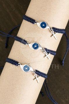 Μαρτυρικά βάπτισης χειροποίητο μακρεμέ βραχιόλι μπλε με μεταλλικό μάτι και σταυρό Bracelets, Jewelry, Fashion, Bangle Bracelets, Jewellery Making, Moda, Jewerly, Jewelery, Fashion Styles