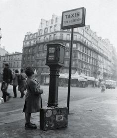 PARIS 1954  PHOTO: ANONYMOUS BETTMANN/CORBIS
