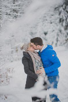 Babybauch-Shooting-im-Schnee-mit-Simone-Bauer-Fotografin-Hauzenberg-Passau
