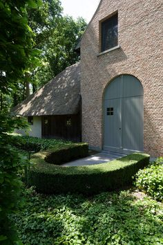 Vlaamse Woning Zoersel | Vlassak Architects Architecture Building Design, Interior Architecture, Interior And Exterior, Cozy Living Spaces, Doors And Floors, Belgian Style, Rustic Stone, Ranch Style, House Front