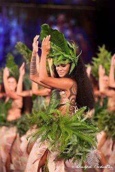 heiva i tahiti Polynesian Dance, Polynesian Islands, Polynesian Culture, Hawaiian Islands, Hawaiian Woman, Hawaiian Art, Monoi Tiki Tahiti, Papeete Tahiti, Miss Tahiti