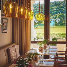 WEBSTA @ sotogrande_ - Una cena a la luz del día también tiene su encanto. Con estas vistas y de fondo una guitarra española, la velada perfecta. Todos los viernes disfruta de música en vivo en L'Olive de la Reserva. Haz tu reserva:👉🏻 956 785 252. #lareservaclubsotogrande #sotogrande #sotograndelifestyle #foodie #andalucia #gastrpnomy #clubhouse #golf #luxurywt